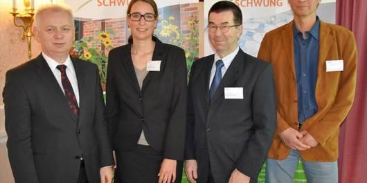 Landrat Carsten Wulfänger mit Gästen des BMEL und der BLE (v.l. Nadine Rathofer, Dr. Joachim Gaus und