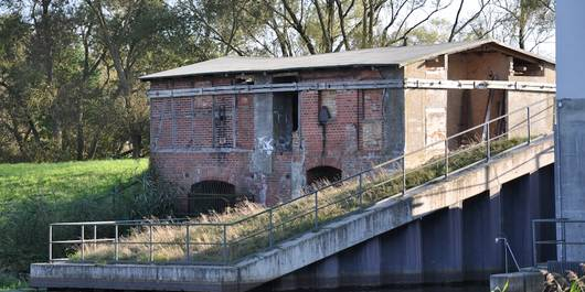 Das idyllisch gelegene alte Schöpfwerk in Vehlgast soll wieder mit neuem Leben erfüllt werden.